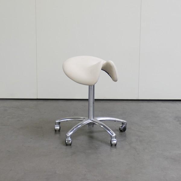 Sattelsitz anatomisch Large for men, Creme, mit Chromfuß, Ausstellungsstück H55