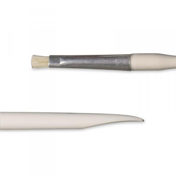 bâtonnet plastique avec petite brosse